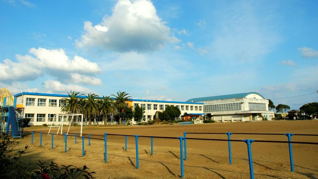 野間小学校校舎