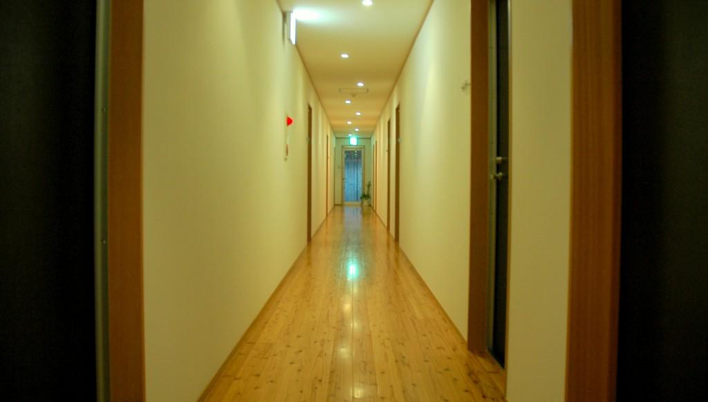 Dサンダルウッド廊下